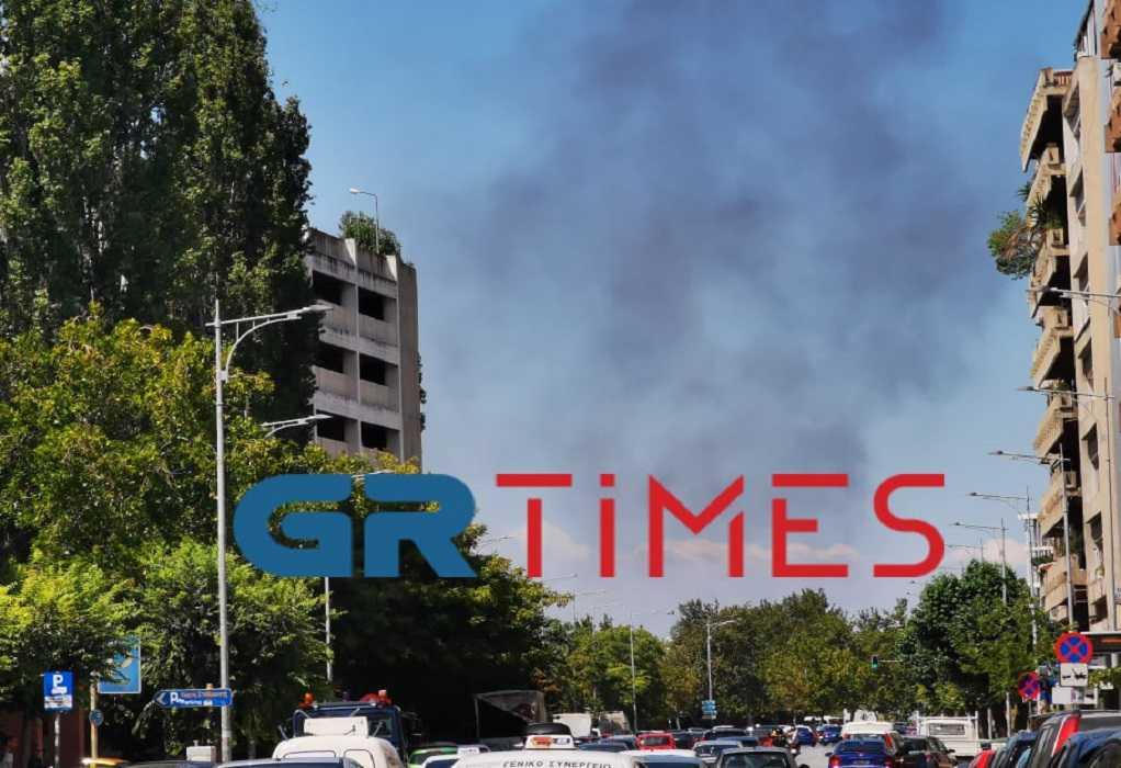 Θεσσαλονίκη: Πυρκαγιά κοντά στα ΚΤΕΛ (ΦΩΤΟ)
