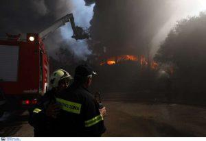 Φωτιά στην Καμάριζα προς Λαύριο