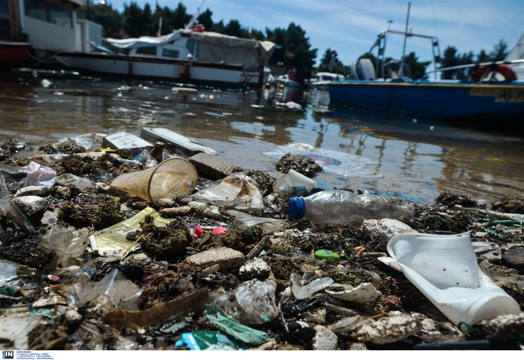 Χιντήρογλου (ΑΠΘ): Τα πλαστικά «πνίγουν» τις θάλασσες!