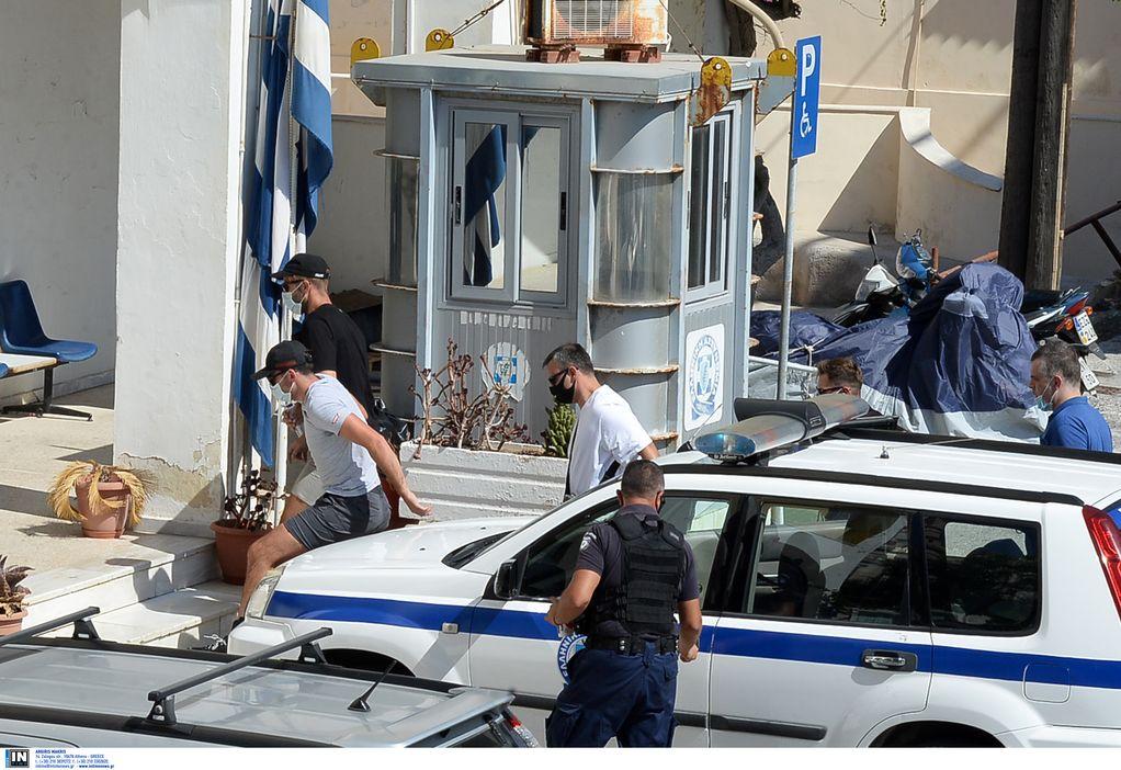 Φωτογραφίες: Στον εισαγγελέα Σύρου ο Μαγκουάιρ