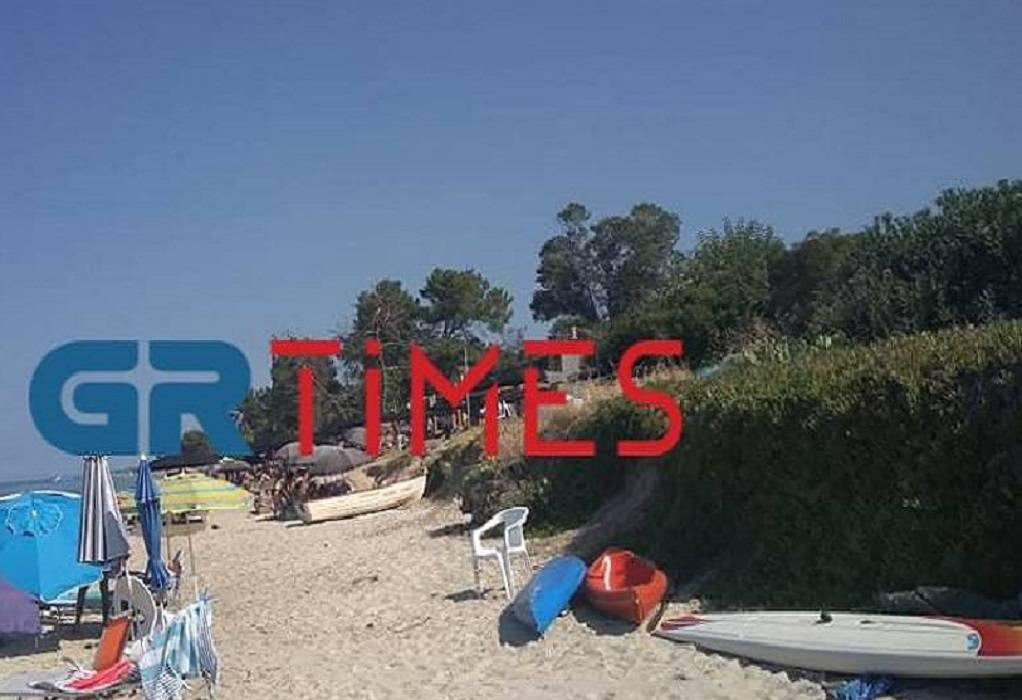 Χαλκιδική: Ανοιχτά ξανά τα beach bar που έκλεισαν λόγω αποστάσεων για τον κορωνοϊό