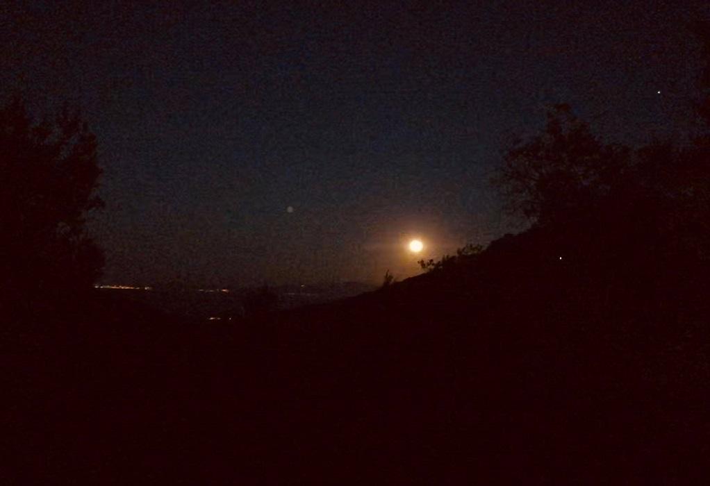 Μυτιλήνη: Υπό το φως της αυγουστιάτικης πανσέληνου
