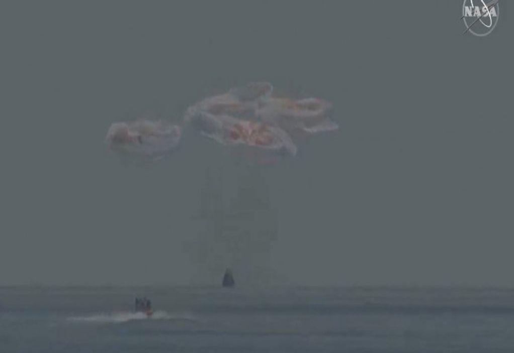 NASA: Επέστρεψε στη Γη η κάψουλα Dragon (LIVE)