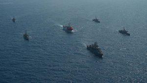 Τουρκία: Δημοσίευσε φωτογραφίες του Oruc Reis, συνοδευόμενο από πολεμικά πλοία