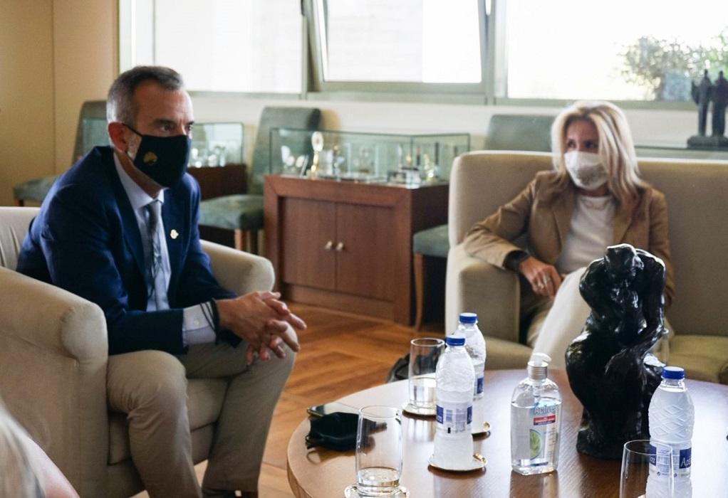 Συνάντηση Ζέρβα – Μαρέβας πριν την εκδήλωση «Women Act»