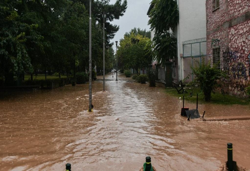 Καρδίτσα: Σε εξέλιξη έρευνες για τον εντοπισμό δύο αγνοουμένων – LIVE η πορεία του κυκλώνα