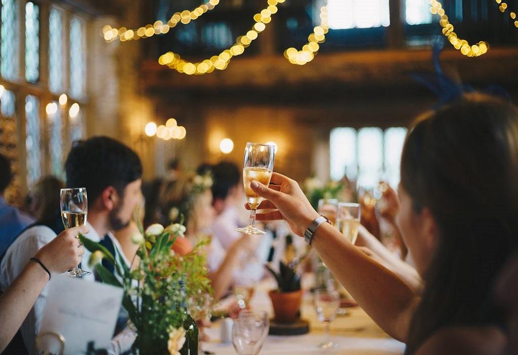 Κορωνοϊός: Οκτώ νέα κρούσματα από τον γάμο στα Τρίκαλα