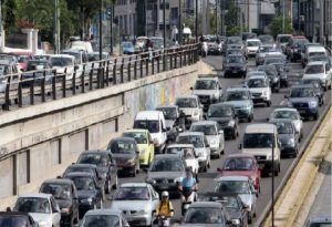 Κυκλοφοριακά προβλήματα στην Αθηνών – Λαμίας λόγω τροχαίου