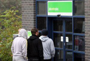 Φόβοι για νέο κύμα ανεργίας στο Ηνωμένο Βασίλειο