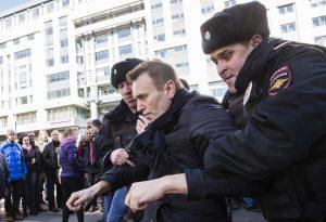 Επέστρεψε στη Ρωσία ο Ναβάλνι – Συνελήφθη μετά την προσγείωση