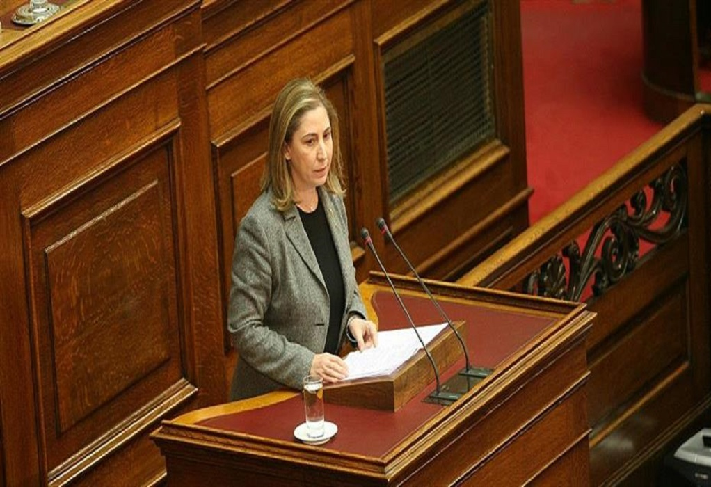 Ξενογιαννακοπούλου: Η κυβέρνηση της ΝΔ θεσμοθετεί την απλήρωτη εργασία (VIDEO)