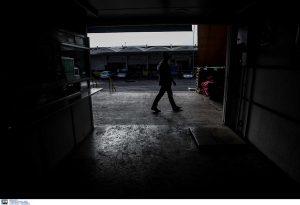 Πειραιάς: Κρατούσε όμηρο υπάλληλο και ζητούσε λύτρα