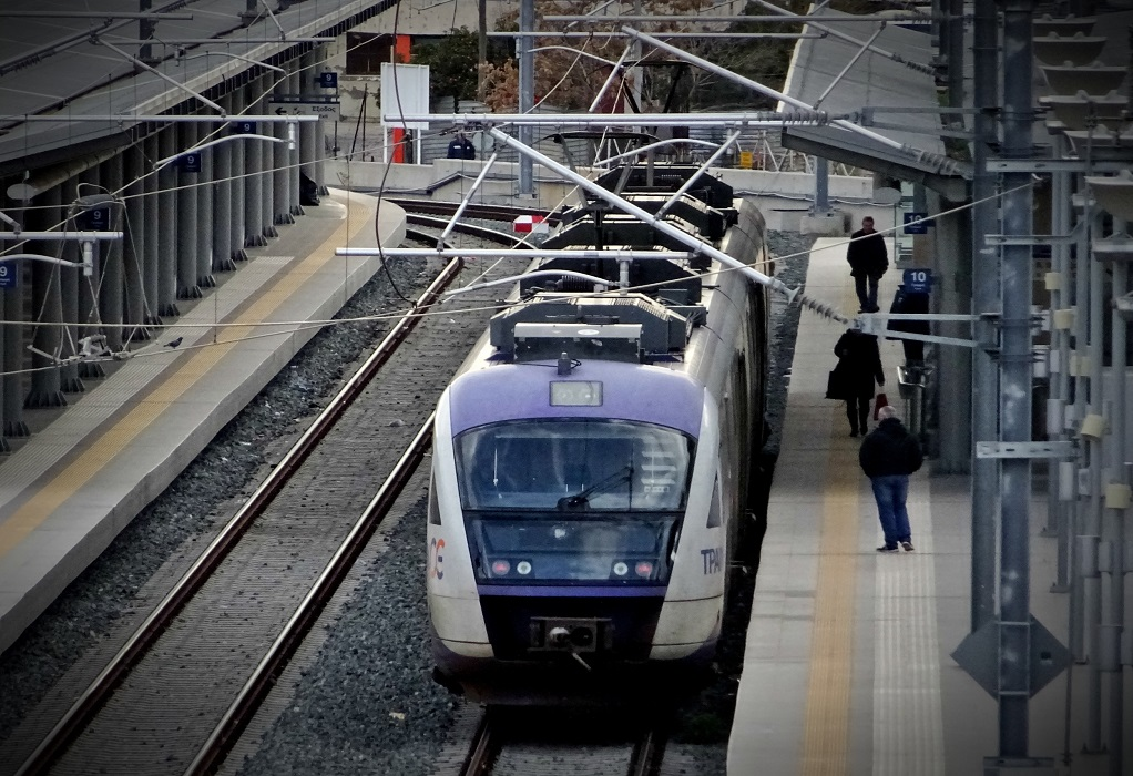 ΤΡΑΙΝΟΣΕ: «Μπράβο» δίνουν οι 8 στους 10 επιβάτες
