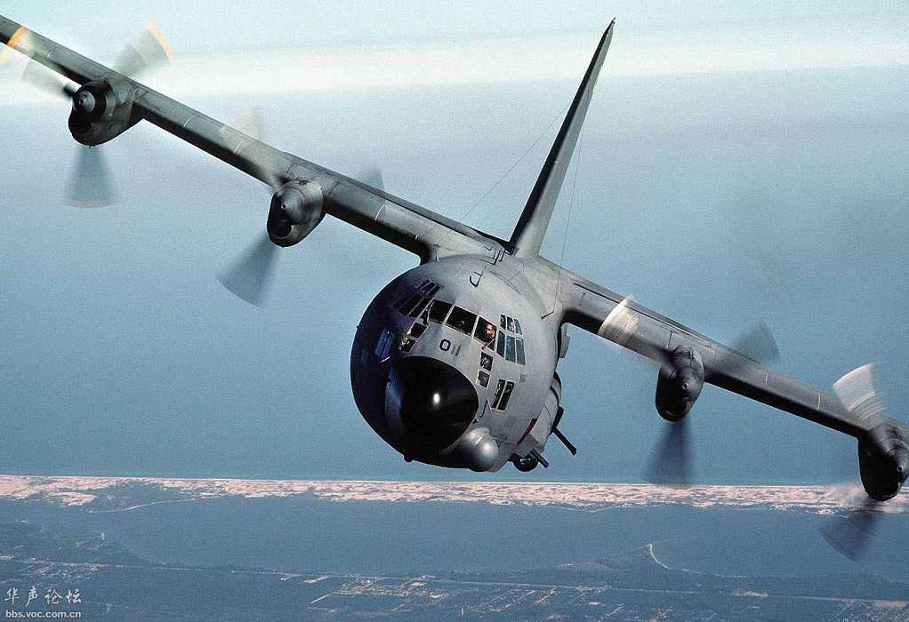 Αμερικανικά και ελληνικά C-130 πάνω από την Αθήνα