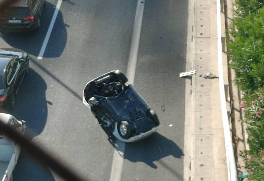Τροχαίο ατύχημα στην ΕΟ Θεσσαλονίκης-Καβάλας – Μία τραυματίας