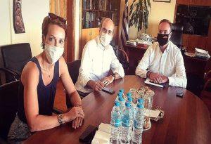 Συνάντηση Βαλιάνου με την ηγεσία του ΥΠΕΝ στην Αρναία
