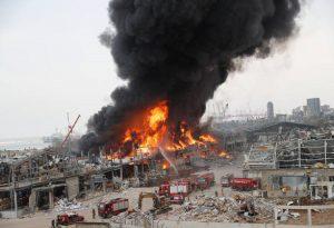 Μεγάλη φωτιά στο λιμάνι της Βηρυτού (VIDEO)