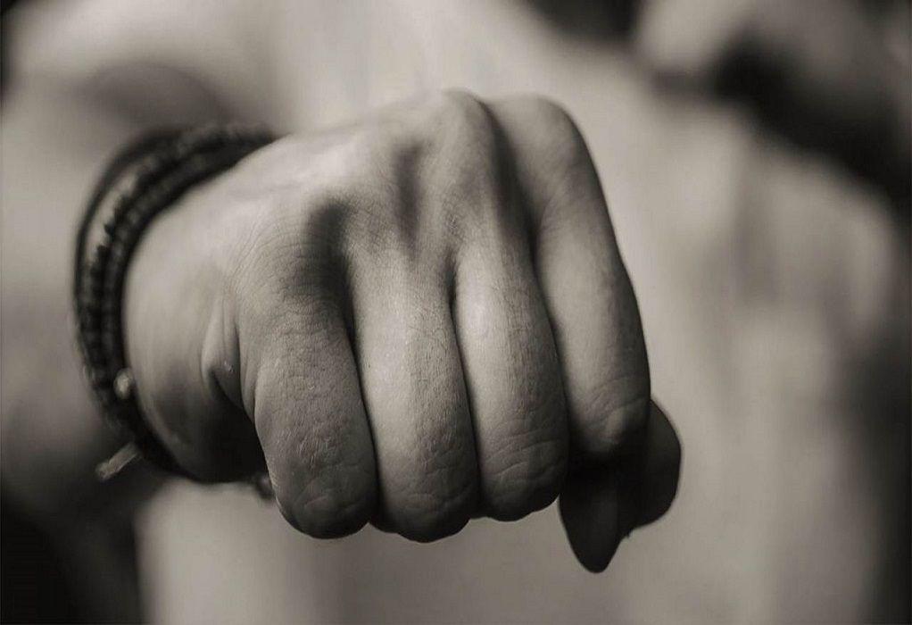 Βόλος: 28χρονος γρονθοκόπησε 56χρονο σε μπαρ γιατί του έκανε παρατήρηση