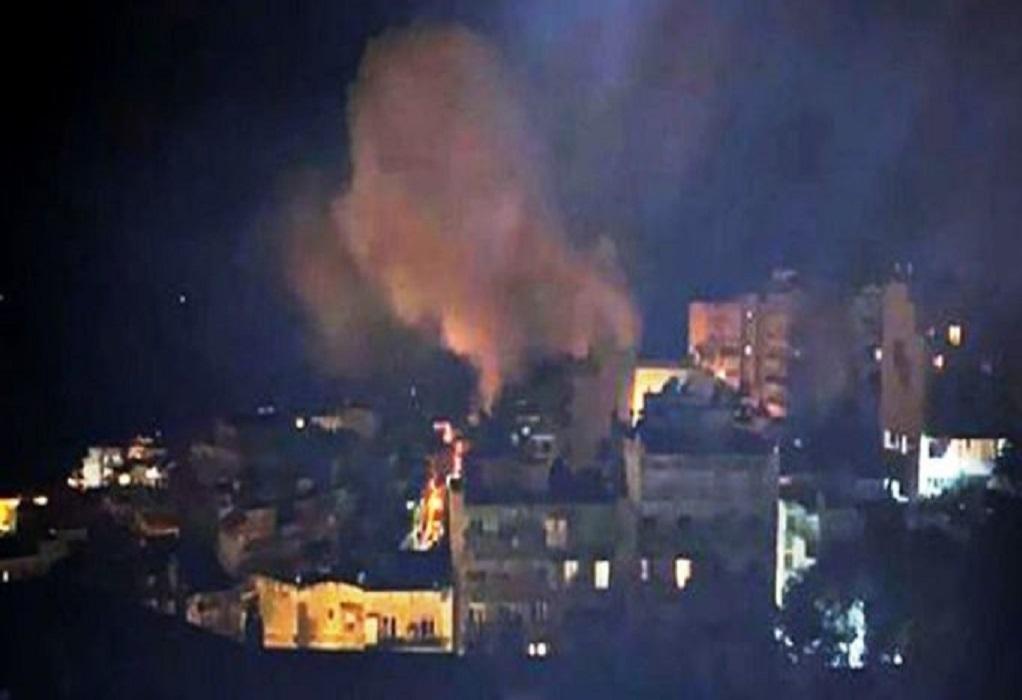Πυρκαγιά σε πυλωτή πολυκατοικίας στην Καβάλα (ΦΩΤΟ)