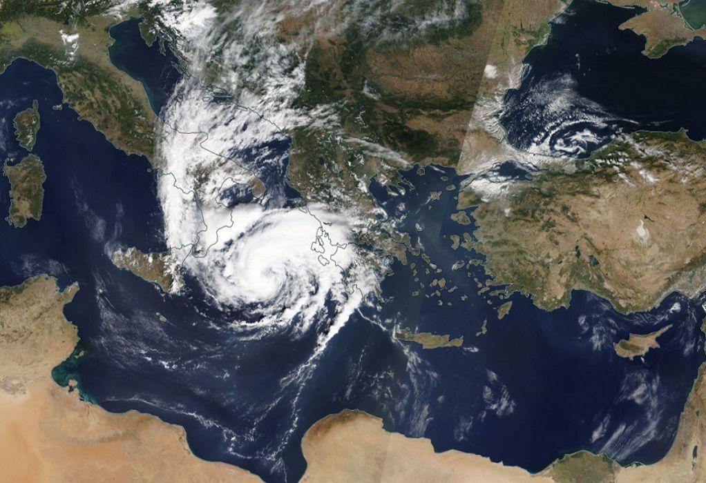 """Η τροχιά του μεσογειακού κυκλώνα """"Ιανός"""" από δορυφόρο (VIDEO)"""