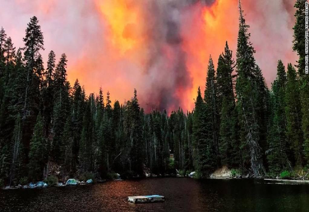 Καλιφόρνια: Ανεξέλεγκτη η δασική πυρκαγιά