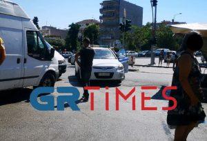 Έλεγχοι της αστυνομίας σε λαϊκή για μάσκες (ΦΩΤΟ)