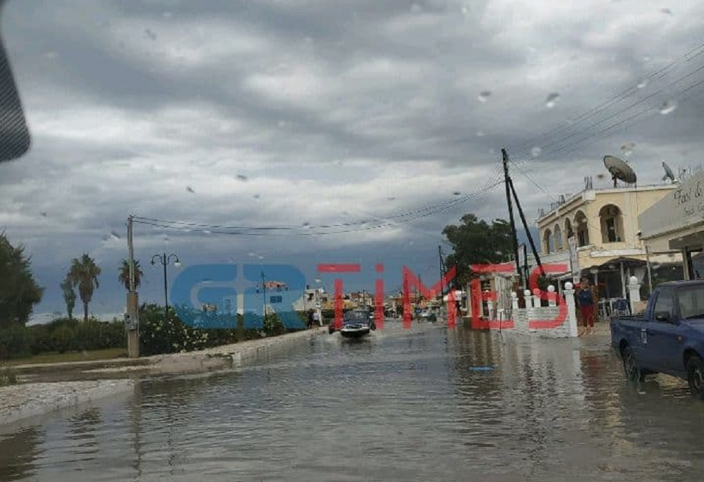 Έντονα καιρικά φαινόμενα πλήττουν την Κέρκυρα (ΦΩΤΟ-VIDEO)