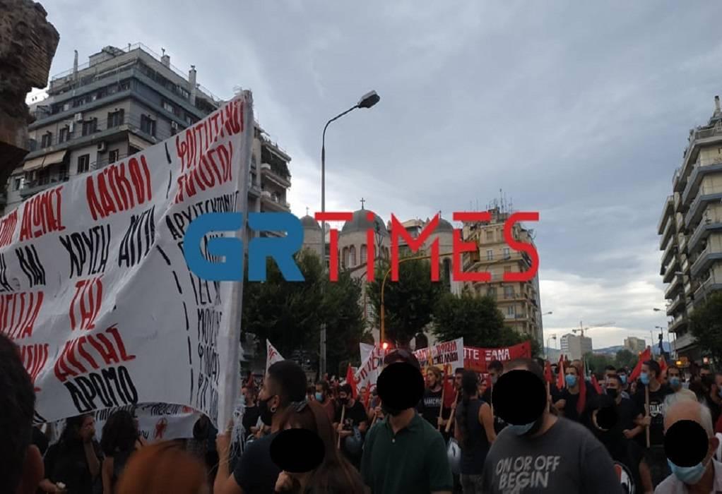 Θεσ/νίκη: Αντιρατσιστική πορεία – Επτά χρόνια από τη δολοφονία Φύσσα (ΦΩΤΟ)