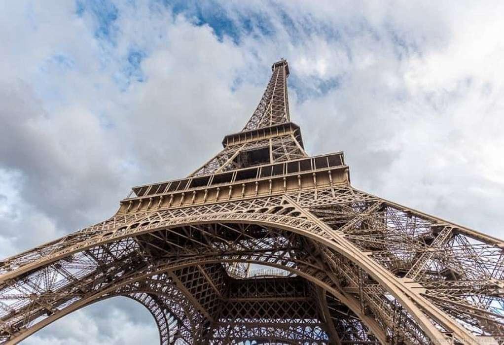 Γαλλία: Ο Πύργος του Άιφελ ανοίγει εκ νέου έπειτα από εννέα μήνες
