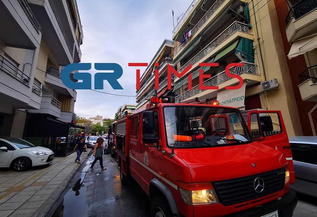 Θεσσαλονίκη: Φωτιά σε σούπερ μάρκετ - Γλίτωσαν σπίτια και ένοικοι (pics, video)