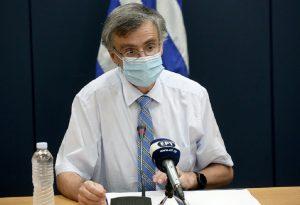 Σ. Τσιόδρας: Η μάσκα είναι μαχαίρι με δύο όψεις