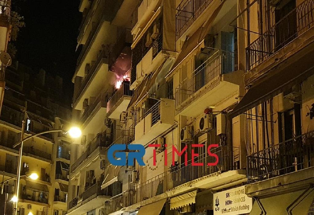 Θεσ/νίκη: Φωτιά σε διαμέρισμα στο κέντρο της πόλης (ΦΩΤΟ-VIDEO)
