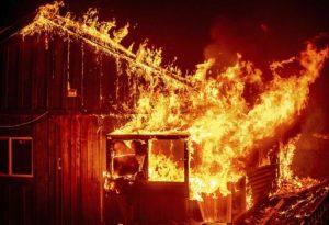 Καλιφόρνια: Εικόνες αποκάλυψης από τις πυρκαγιές (VIDEO)