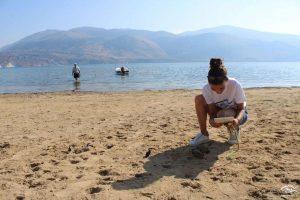 Τα αποτσίγαρα η Νο1 απειλή για τις ελληνικές ακτές