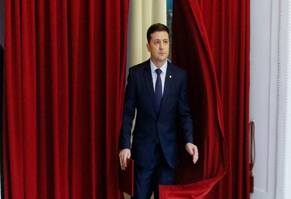 Ουκρανία: Ο Πρόεδρος Ζελένσκι θέλει να διαλύσει το Συνταγματικό Δικαστήριο