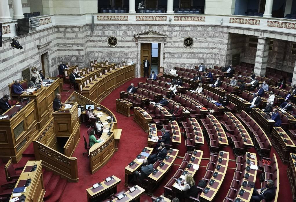 LIVE – Βουλή: Σε εξέλιξη η συζήτηση για το νομοσχέδιο ενίσχυσης των εργαζομένων