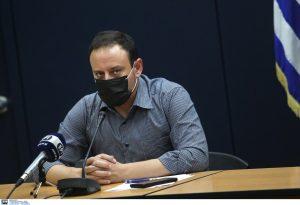 Μαγιορκίνης: Αν δεν μπορείτε να φοράτε μάσκα, κρατήστε αποστάσεις