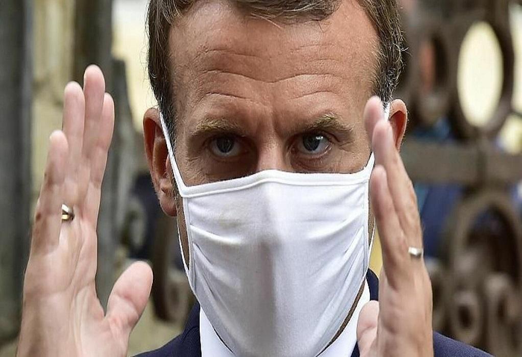 Μακρόν: Η Γαλλία θα ζει με τον ιό τουλάχιστον έως τα μέσα του 2021