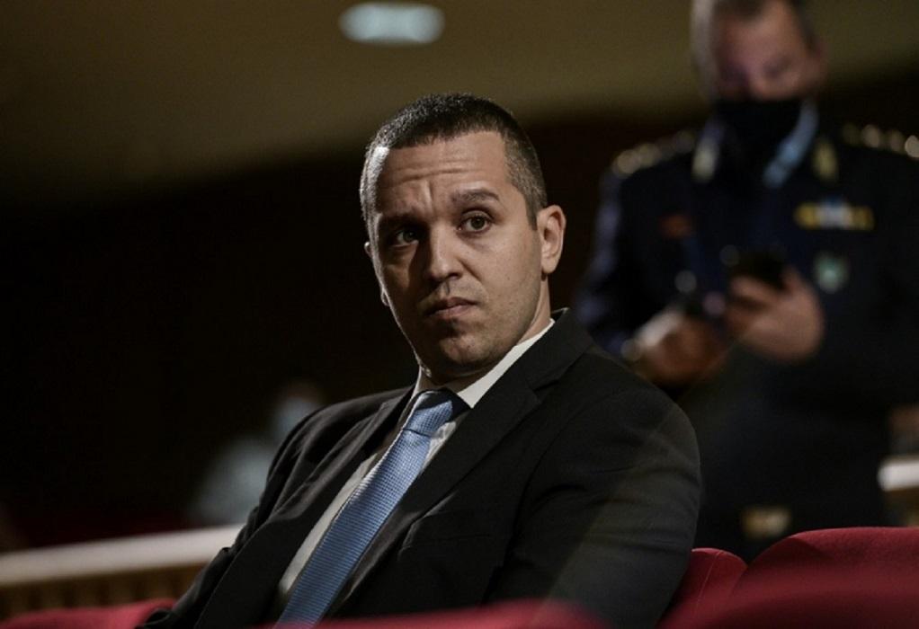 Δίκη Χρυσής Αυγής: Παραδόθηκε στο αστυνομικό τμήμα ο Κασιδιάρης