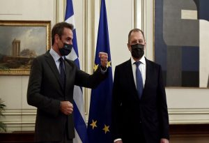 Κορωνοϊός: Σε προληπτική καραντίνα τέθηκε ο Λαβρόφ