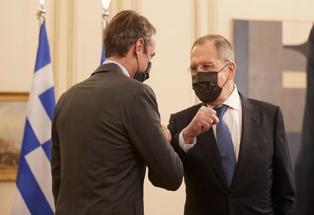 Διπλωματικές πηγές: Ικανοποίηση από την επίσκεψη Λαβρόφ στην Αθήνα