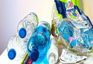 Χατζηδάκης: Καταργούνται τα πλαστικά μίας χρήσης από τον Ιούλιο του 2021