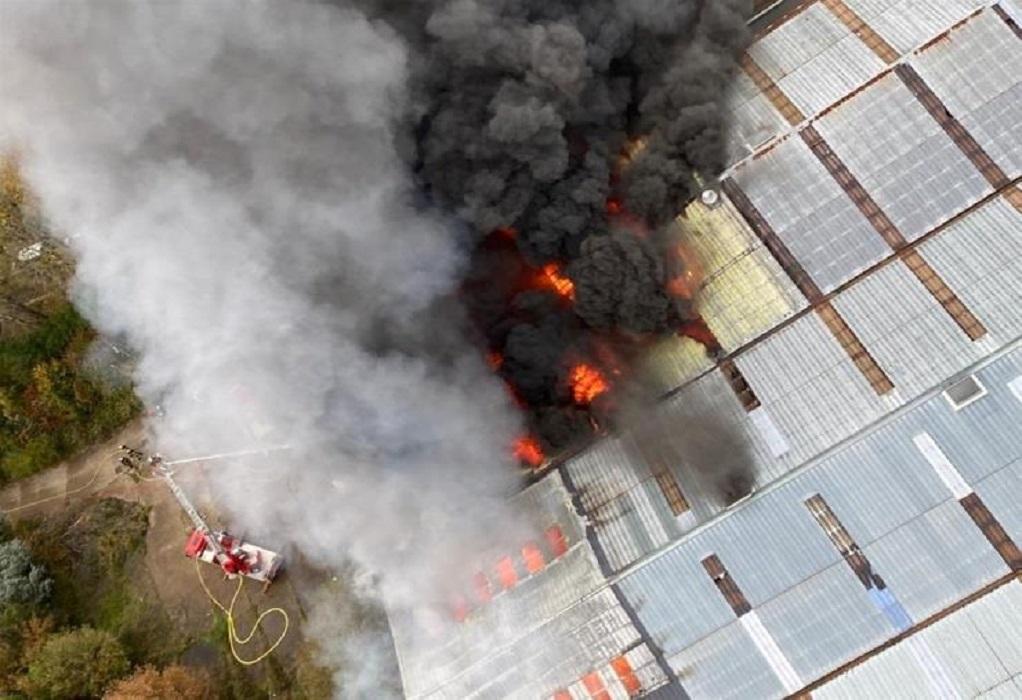 Γαλλία: Μεγάλη φωτιά σε εγκαταλειμμένο κτήριο στη Χάβρη