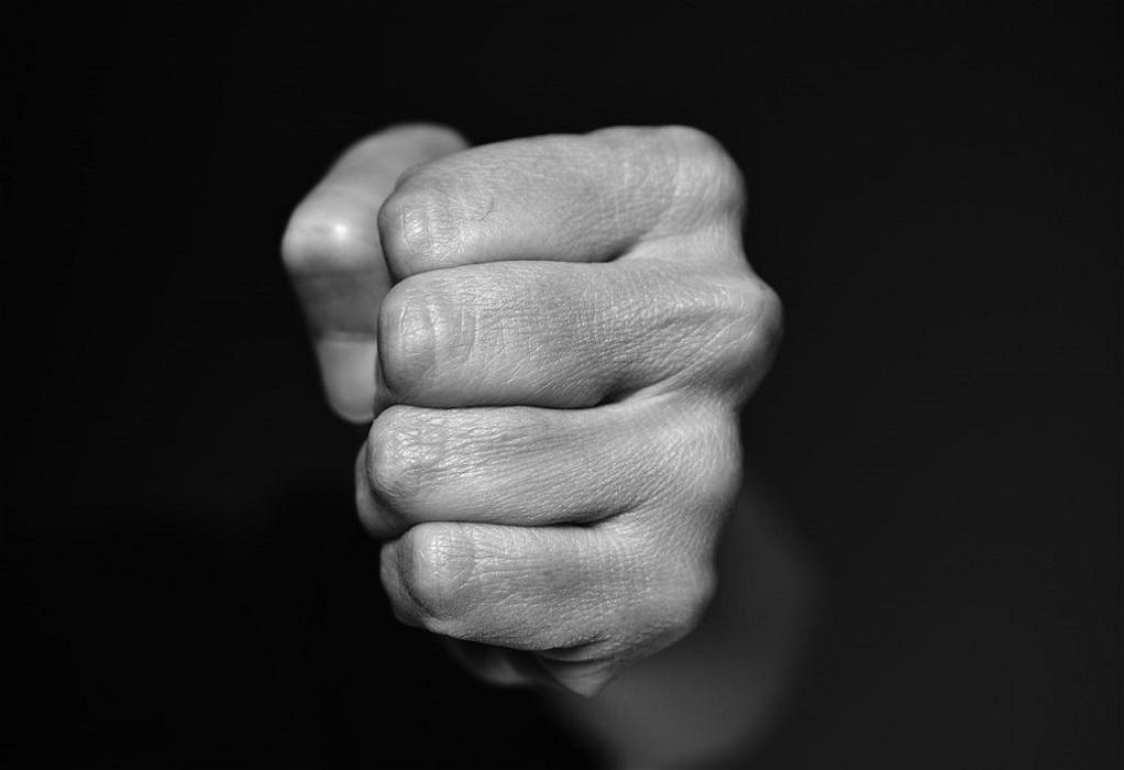 Θες/νίκη: Κατήγγειλε σεξουαλική παρενόχληση αλλά… συνελήφθη