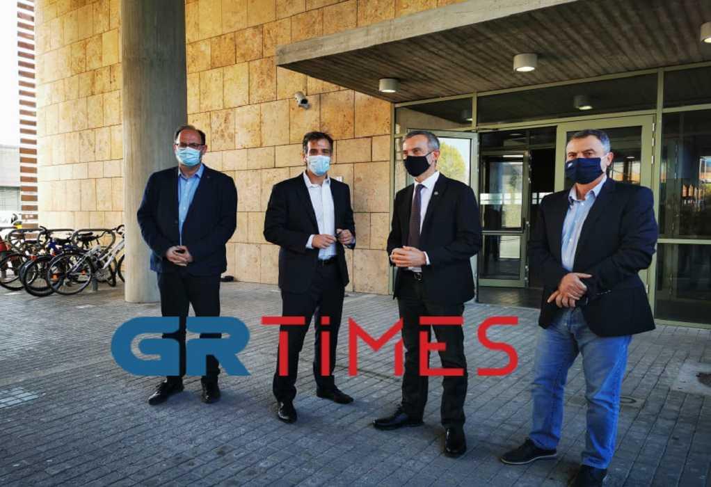 Θεσσαλονίκη: Στο Δημαρχείο ο πρόεδρος του ΕΟΔΥ – Συνάντηση με Ζέρβα (ΦΩΤΟ+VIDEO)
