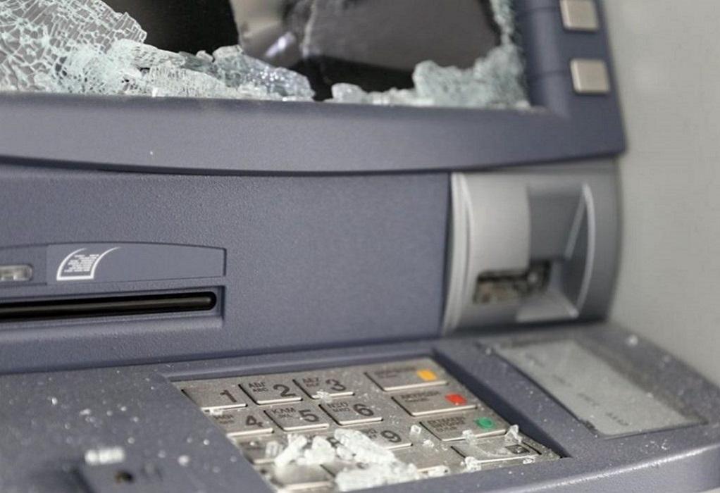 Φθορές σε υποκατάστημα τράπεζας προκάλεσαν άγνωστοι στη Δυτική Θεσσαλονίκη