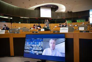ΣΥΡΙΖΑ για μάρτυρες Novartis: Η Ε.Ε. τους βραβεύει, η ΝΔ τους λέει «σκευωρούς»