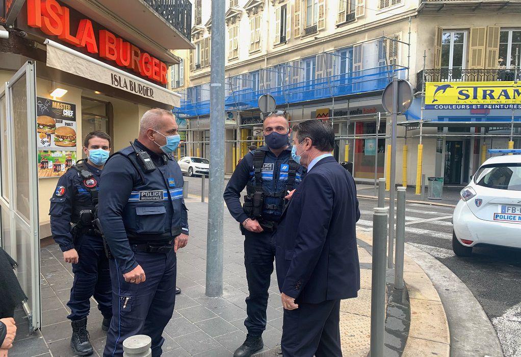 Γαλλία: Μπαράζ επιθέσεων δέχεται η χώρα εντός και εκτός συνόρων