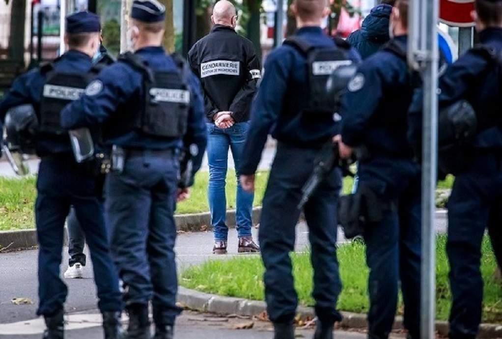 Επίθεση με μαχαίρι στο Παρίσι: Νεκρή γυναίκα αστυνομικός