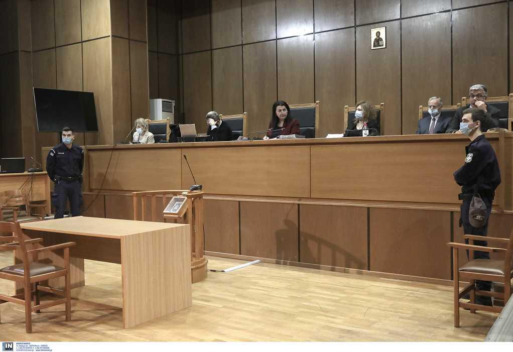 Δίκη ΧΑ: Ο διάλογος της προέδρου με την εισαγγελέα